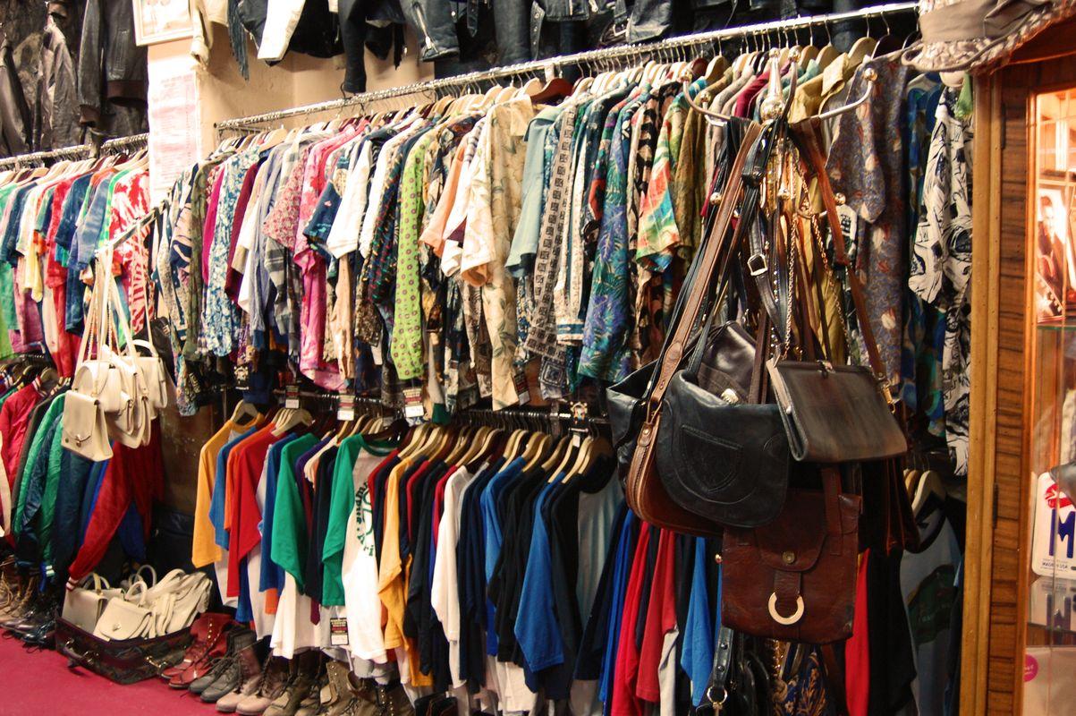 Kā uzsākt lietoto drēbju tirdzniecību?
